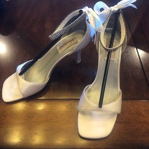 8.5 DYEABLES PASSION ANKLE STRAP WHITE SATIN